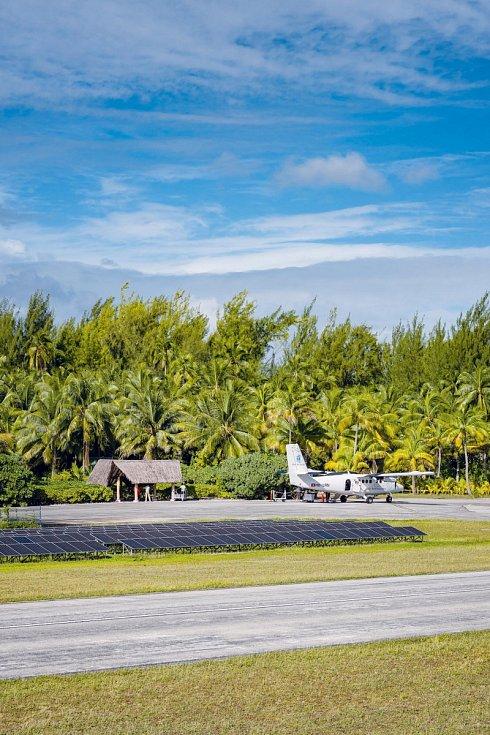 Malým letadlem to trvá z Tahiti na ostrov Tetiaroa pouhých 20 minut.