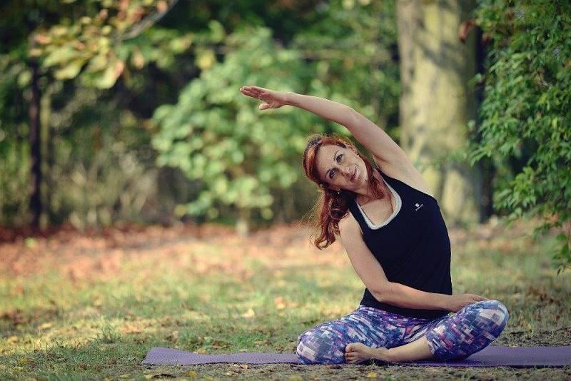 Alena Vůjtová, lektorka pilates a jógy. Cvičení ji provází už dlouhou dobu.