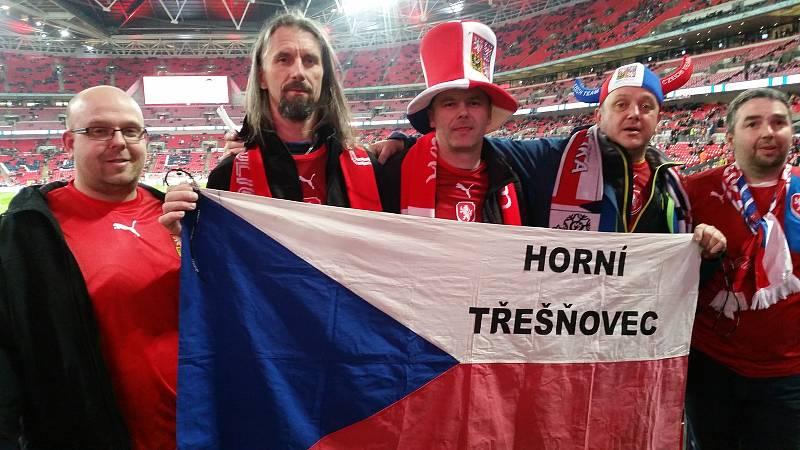 I Horní Třešnovec měl své zastoupení na zápase Česka s Anglií ve Wembley.
