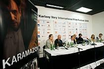 Tisková konference k filmu Bratři Karamazovi.