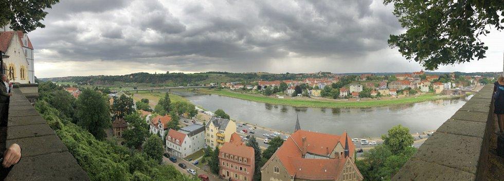 Panorama německého města Míšeň, ve kterém se nachází proslulá porcelánka.