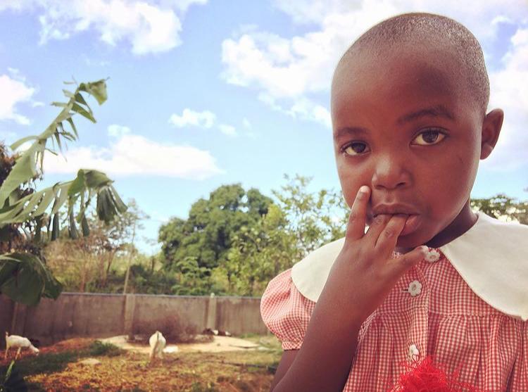 V Tanzanii Sarah Haváčová pracovala v dětském útulku, pomáhala také ve vesnické škole.