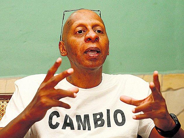 Kuba je jeden koncentrační tábor, říká Guillermo Farińas Hernández.