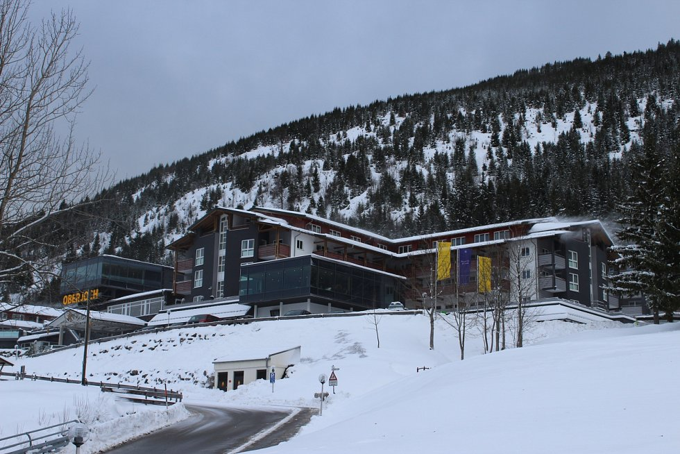 Hotel Oberjoch je přizpůsobený rodinám s dětmi. Ty si můžete nechat pohlídat a zajít si třeba na masáž