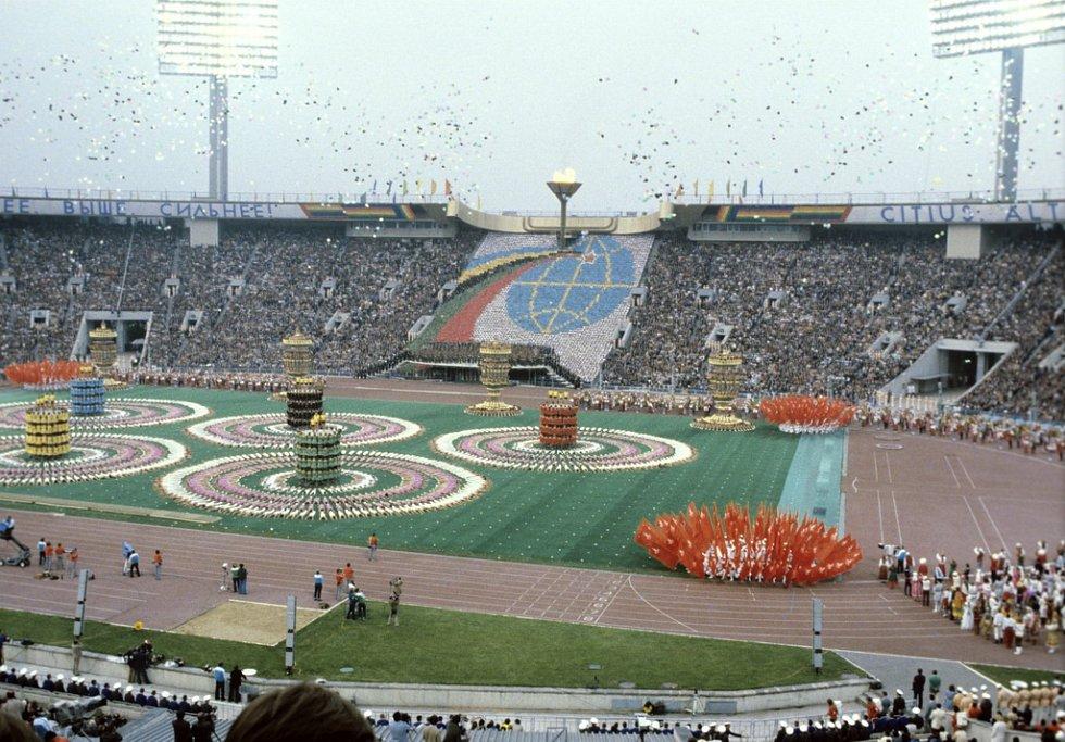 Zahajovací ceremoniál letních olympijských her v Moskvě v roce 1980