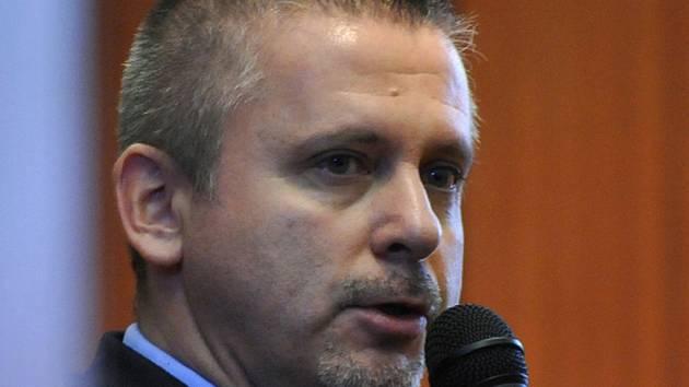 Protikorupční policie podle informací redakce navrhla obžalovat bývalého ředitele Zařízení služeb pro ministerstvo vnitra Romana Fidlera v souvislosti s vypovězením smlouvy na pronájem čtyř lázeňských komplexů společnosti Temparano.
