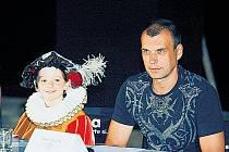 Matyáš Valenta a Petr Rychlý – tváře z populárních seriálů televize Nova.
