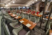 Prázdná restaurační zahrádka