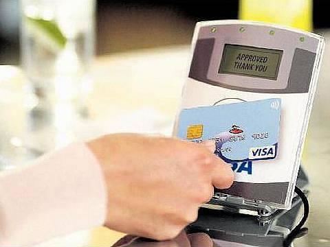 Bezkontaktní platby jsou ideální zejména při placení menších částek.