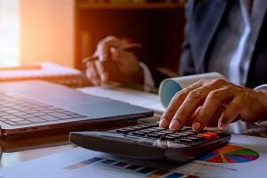 Výplata, finance - Ilustrační foto