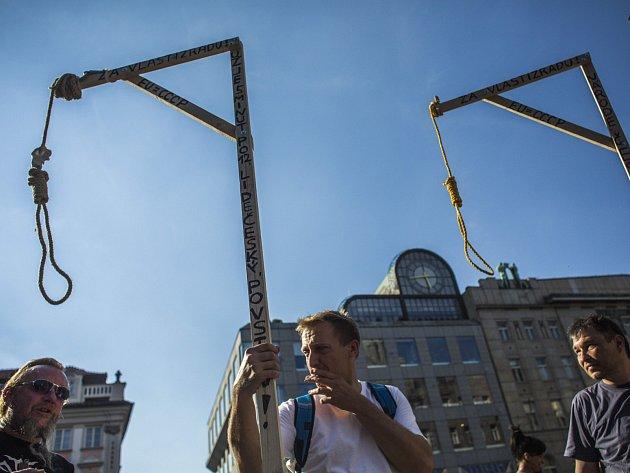 Demonstrace proti imigraci proběhla 1. června v Praze.