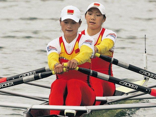 Rok před olympiádou se začínají čínští sportovci prosazovat i v pro ně netradičních sportech. Veslařky Čchin Liaová, Liang Tchienová se staly v Mnichově mistryněmi světa na dvojskifu.