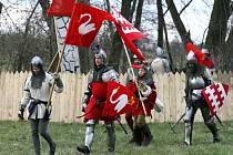 Jubilejní desátá jarní bitva v Dohalicích na Královéhradecku. Více jak 130 účastníků se představilo v rekonstrukci husitské bitvy.