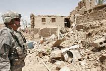 Počet obětí sobotního atentátu u iráckého Kirkúku stoupl na 75.