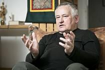 Religionista, vysokoškolský učitel a bývalý dominikán Ivan Štampach.