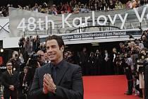 Pátek ve Varech: John Travolta, který se nepřestal usmívat