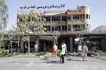 Převážně šíitskou čtvrtí v Kábulu otřásl výbuch sebevražedného atentátníka.