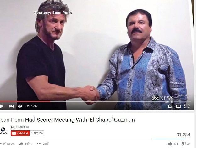 Košile, které měl na sobě mexický drogový boss Joaquín Guzmán při setkání s americkým hercem Seanem Pennem ve svém úkrytu a později při rozhovoru s ním na dálku, se okamžitě vyprodaly.
