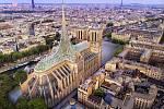 Návrh na dostavbu slavné pařížské katedrály Notre-Dame ze studia Vincent Callebaut