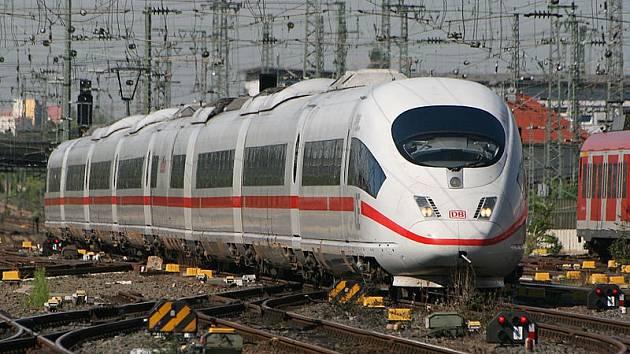 Německý rychlovlak Intercity-Express (ICE)