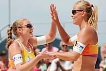 Markéta Sluková (vpravo) a Kristýna Kolocová z Česka.