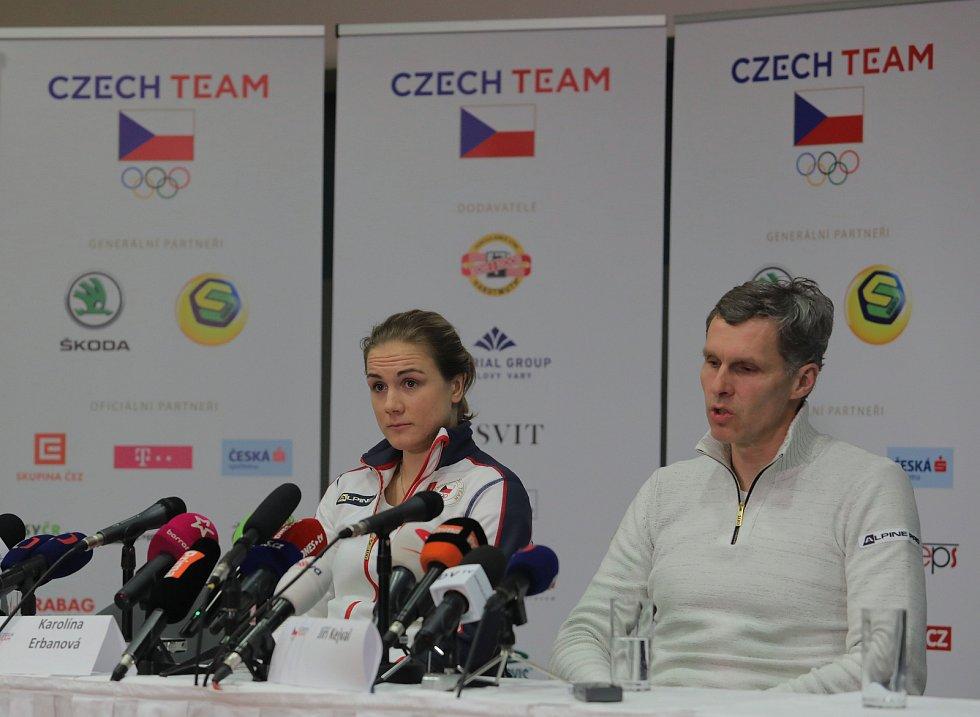 Karolína Erbanová a předseda Českého olympijského výboru Jiří Kejval - Letiště Václava Havla.