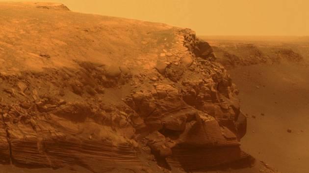 Fotografie povrchu Marsu pořízená vozítkem Opportunity v říjnu 2007.