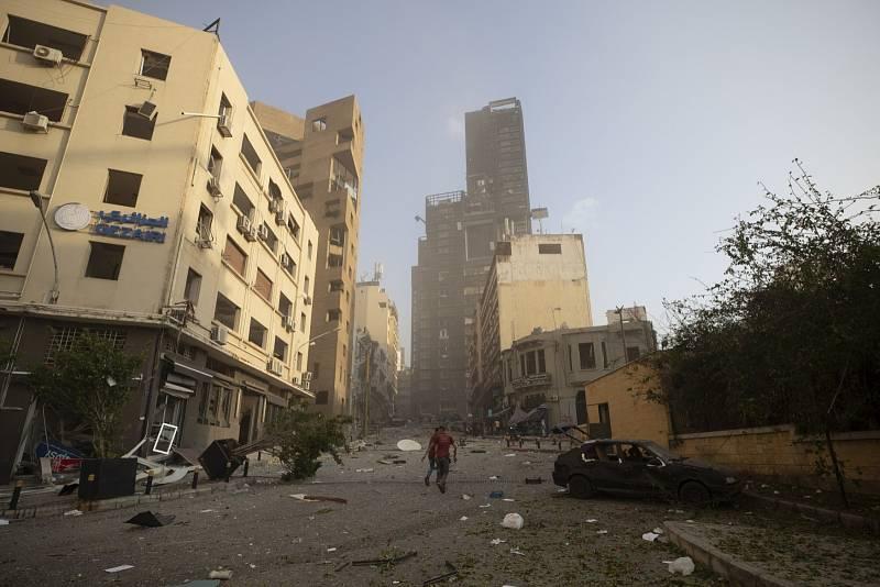 V libanonském Bejrútu explodoval sklad s dusičnanem sodným.