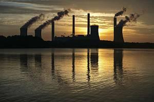 Uhelná elektrárna. Ilustrační snímek