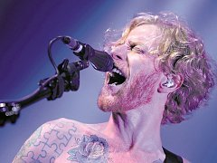 Skotská skupina Biffy Clyro, na snímku James Johnston.
