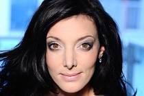 Dasha, vlastním jménem Dagmar Sobková, patří k nejobsazovanějším muzikálovým zpěvačkám.