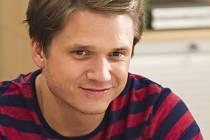 V seriálu Gympl, který bude patřit k novinkám podzimního programu TV Nova, hraje Ondřej Brzobohatý učitele biologie, občanské a hudební výchovy Adama Kábrta. Zároveň složil k seriálu hudbu.