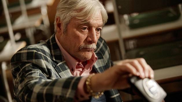 Inspektor Max s Jurajem Kukurou v roli svérázného inspektora Zoltána Maxe.