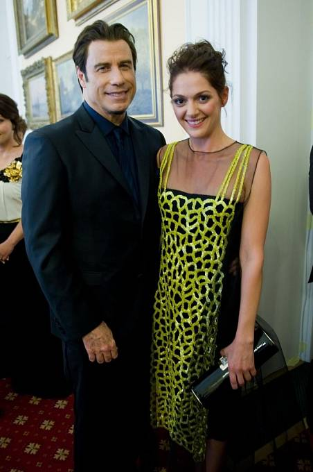 Pátek ve Varech: John Travolta s Klárou Issovou