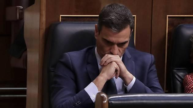Pedro Sánchez na schůzi španělského parlamentu