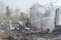 Exploze v indické továrně na pyrotechniku zabila nejméně 25 lidí