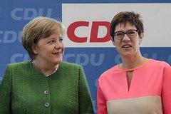 Angela Merkelová s Annegret Krampovou-Karrenbauerovou