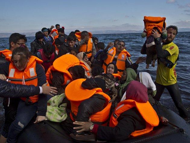 V září překonalo Středozemní moře na cestě do Evropy zhruba 168.000 uprchlíků. Oznámil to dnes Úřad Vysokého komisaře OSN pro uprchlíky (UNHCR).