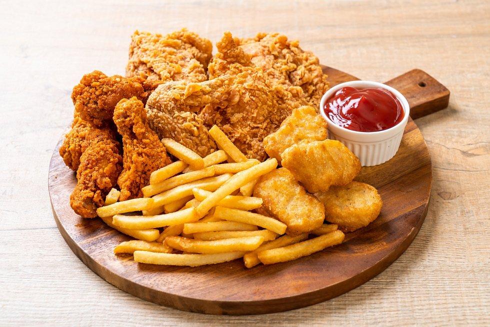 Nejčastěji se lidé rozhodují pro jídlo ve fast foodu spontánně, tedy například když jdou okolo a mají hlad nebo na něco chuť.