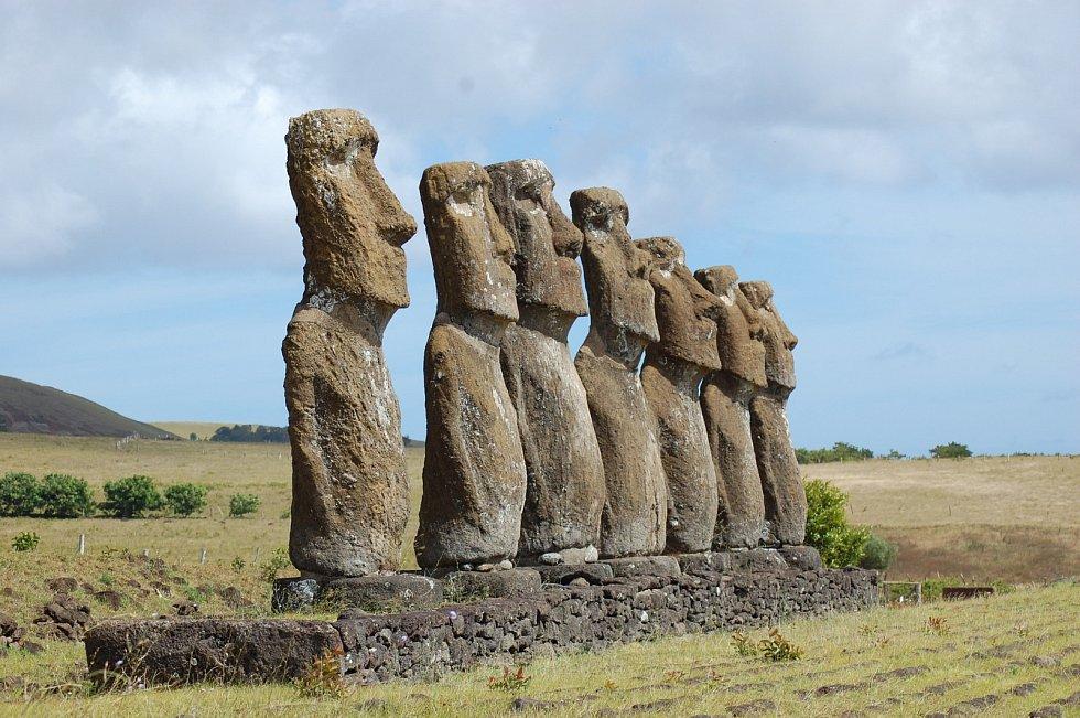 Velikonoční ostrov (Rapa Nui) a sochy Moai