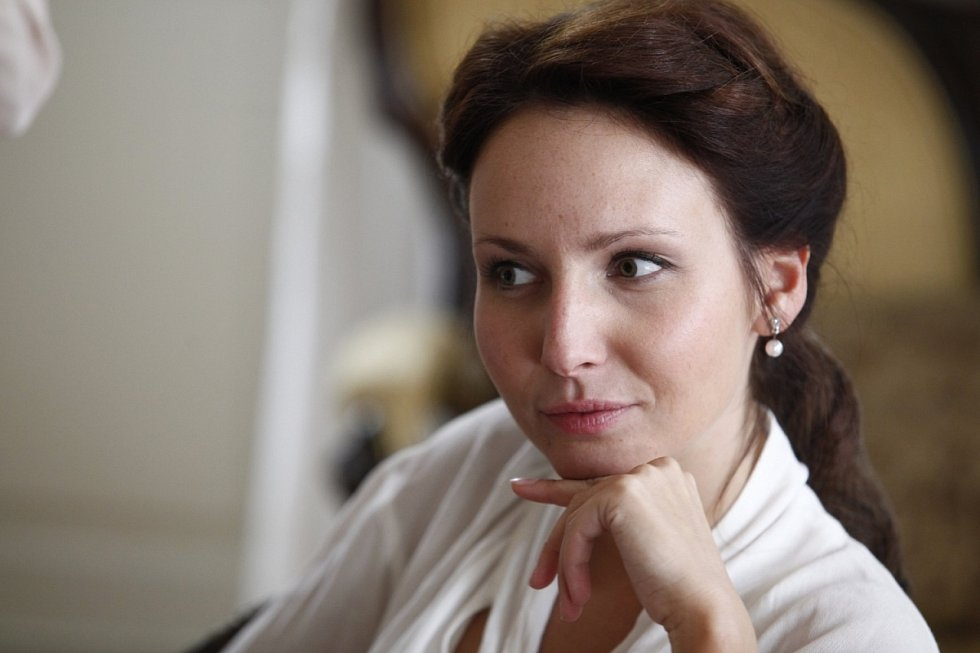Veronika Arichteva v seriálu První republika.
