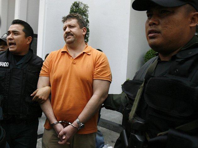 Ruský obchodník se zbraněmi Viktor Bout byl dopaden ve čtvrtek v Thajsku.