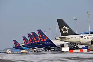 Letadla Brussels Airlines na letišti v Bruselu.