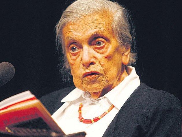 Spisovatelčiny vzpomínky. K nahrávkám četby jsou připojeny také zvukové záznamy dalších pořadů o literatuře, mezi nimi např. vzpomínky nedávno zesnulé spisovatelky Lenky Reinerové z pořadu Osudy.