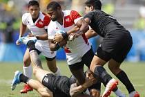 Ragbisté Nového Zélandu (v černém) proti Japonsku.