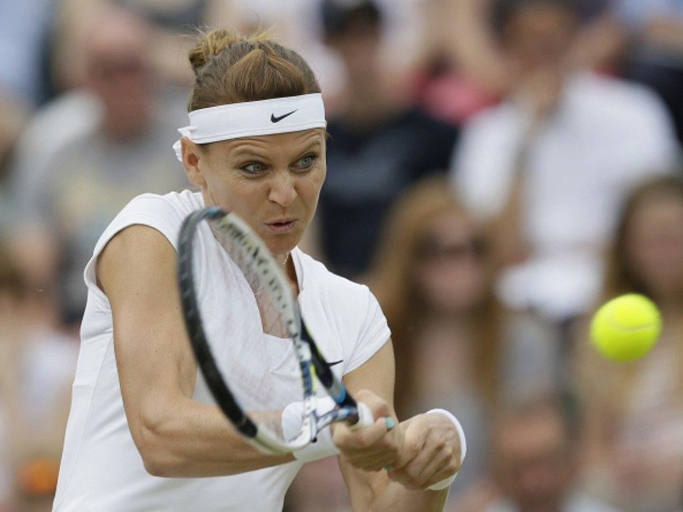 Lucie Šafářová v osmifinále Wimbledonu.