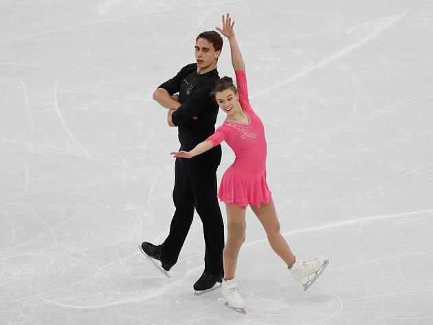 Osmnáctiletí krasobruslaři Anna Dušková a Martin Bidař se těší na své první vystoupení pod pěti kruhy.
