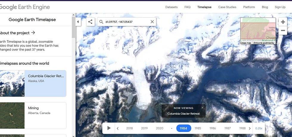 Nová aplikace Google Earth Timelapse umožňuje vidět proměnu planety v posledních čtyřiceti letech. Na snímku mizení ledovce Columbia na Aljašce, rok 1984.