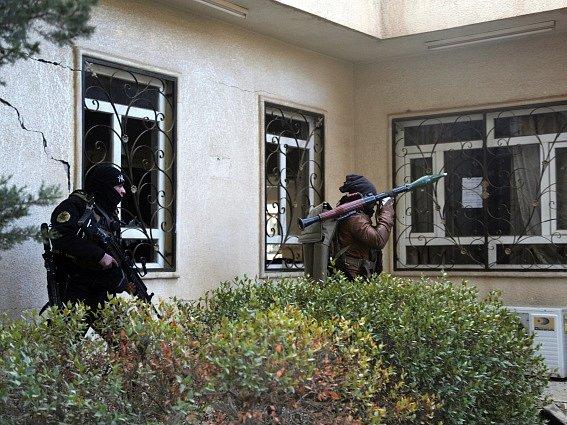 Irácké speciální jednotky dnes prohledávaly areál Mosulské univerzity a pátraly po zbývajících islamistických radikálech.