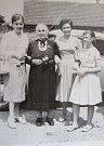 Sestra Jarmila Šounová, matka Anna Sekáčová, Věra Šmejkalová a její a dcera Ivana